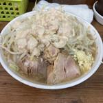 ラーメン二郎 - 料理写真:小 ヤサイ ニンニク アブラ 750円