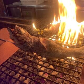 【まな板の上のサカナ】鮮魚丸一尾炉端焼き