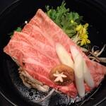鷹山公 - 牛鍋(上、肩ロース)
