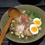 天雷軒 九段下 - 琥珀醤油拉麺  味玉付き