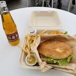 糸島ファームハウス UOVO - 料理写真:バーガーBOX   1500円