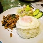 サラータイ - サラタイセット「鶏肉バジル炒めご飯」