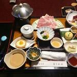 鉛温泉 藤三旅館 - 料理写真:部屋食のばんごはん
