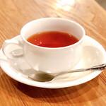 ソニョーポリ - 食後の紅茶。