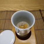 ひろ寿 - 料理写真:きのこ   の   すりながし  本格的な お料理で期待 高まります