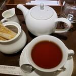 160323778 - セイロン。茶葉の説明のしおりも添えられています。