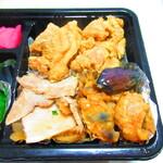 160334679 - お惣菜チョイス弁当 734円(税込)のチョイス惣菜のアップ【2021年10月】