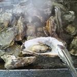 かき焼処 - 料理写真:牡蠣を頂きます