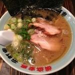 横浜家系 元町家 - らーめん 濃い目多め柔め 2012年11月
