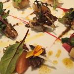 16042867 - シマアジ、明石の蛸、赤海老、ホタテ、鯛、穴子などのサラダ。