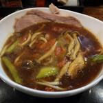 麺乃家 - 料理写真:アスパラとトマトきのこのカレーらーめん