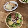 ソブレメサ - 料理写真:Bランチ 1,100円 ・サラダ ・パン
