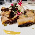 カロッツァ - 魚介NGなので、カルパッチョ・お刺身な皆さんとは別に僕だけ熊本産の豚バラステーキ