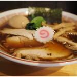 柳麺かいと - 料理写真:しょうゆらーめん+煮玉子 750+100円