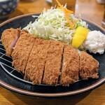 三九三 - 料理写真:上豚ロースカツ定食