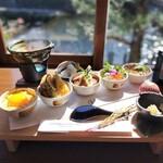 五木茶屋 - 京丼食べ比べ膳
