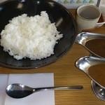カレーハウスあんくる - 料理写真:あんくるカレー大盛り 590円