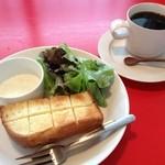 16050890 - ボリュームあるパン