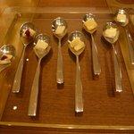 イル テアトリーノ ダ サローネ - チーズの8クッキアイーニ(ハーフ&ハーフ?)(2012.11)