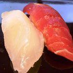 寿司割烹 「ともづな」 - 鮪と平目・・ネタは普通です。握りがユルイのでシャリが手に付きますね。
