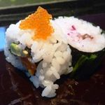 寿司割烹 「ともづな」 - 巻き物・・綺麗に出せないものかと><