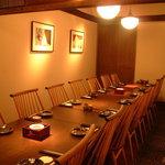 くつ炉ぎ・うま酒 かこいや - 最大20名様までご利用いただける完全個室です。仲間や会社の歓迎会、送別会、同窓会、・・・ご利用いただけるシチュエーションは様々です