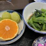 まる信 食堂 - 小鉢とデザート