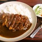定食屋菜 - チキンカツカレー700円。