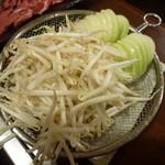 まるごと北海道 - ジンギスカン食べ放題(3,129円)~もやし、玉ねぎ