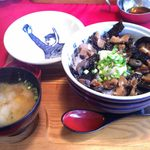コンセーユ - サザエ丼。900円。