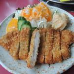 サラン - 豚カツ定食 カツアップ