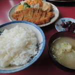 サラン - 豚カツ定食 780円
