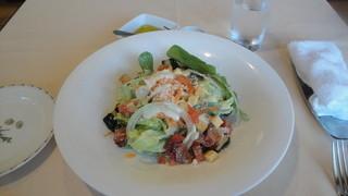 サント ウベルトゥス - サラダランチのシーザーサラダ