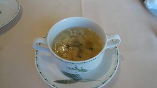 サント ウベルトゥス - サラダランチのポトフ。熱々でベーコンのいい出汁がでていました