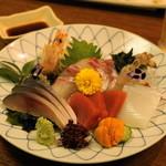 むつ五郎 - 2012.11 刺身盛合せ(2,730円)マグロ、イカ、タイ、ウニ、〆サバ、車海老