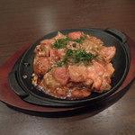 松 - トマトをふんだんに使った松オリジナルのトマトお好み焼き