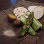 松 - その時期の旬の野菜を使い野菜その物の旨味を鉄板で引き出します