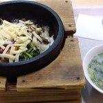 ミョンドンヤ - 料理写真:チーズビビンバ490円、スープ+50円