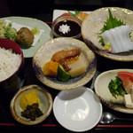 厨 - 料理写真:【おまかせ御膳】 ¥1500
