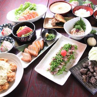 宮崎地鶏の良さを生かしたコース料理も充実!