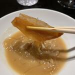 160792929 - フカヒレ白湯スープ(後から帆立出汁が追加されます)