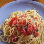 イタリアンレストランバーココロ - フレッシュトマトとバジル