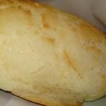 16081748 - 明太子とチーズがたっぷりパンです