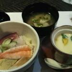 紫雲 - ちらし寿司と茶碗蒸し