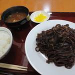 トシヤ - そば焼き定食 700円