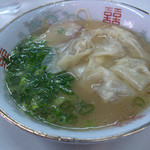 16085526 - 「ワンタン麺」(680円)。ボクにとって至福の一杯でした。
