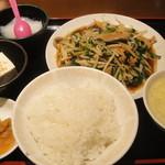 帝里加 - ニラレバ炒め(550円)