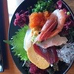 16095088 - 海の幸丼と焼サバ棒寿司