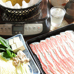 郷土料理・黒豚しゃぶ鍋・ぞうすい 八幡 - 鰹・鰯・鯖などの混合節で取った上品なお出汁です