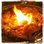 和牛焼肉食べ放題 肉屋の台所 飯田橋店 - 焼肉中 Fire